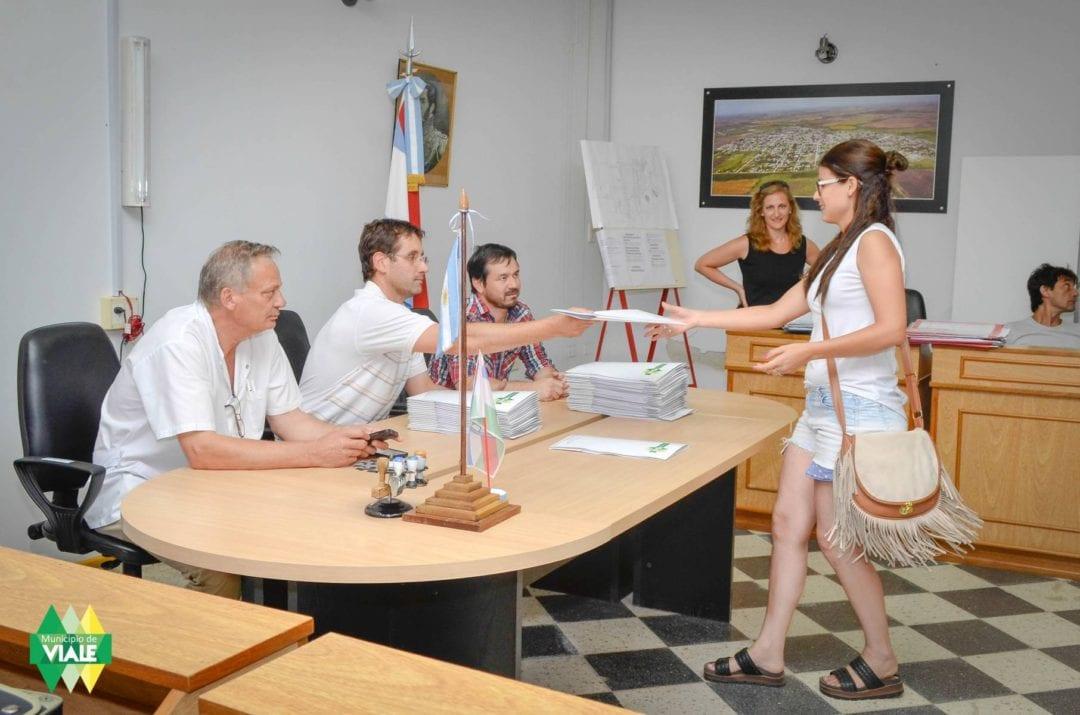 Se firmó el convenio con las primeras 60 familias del círculo cerrado de viviendas