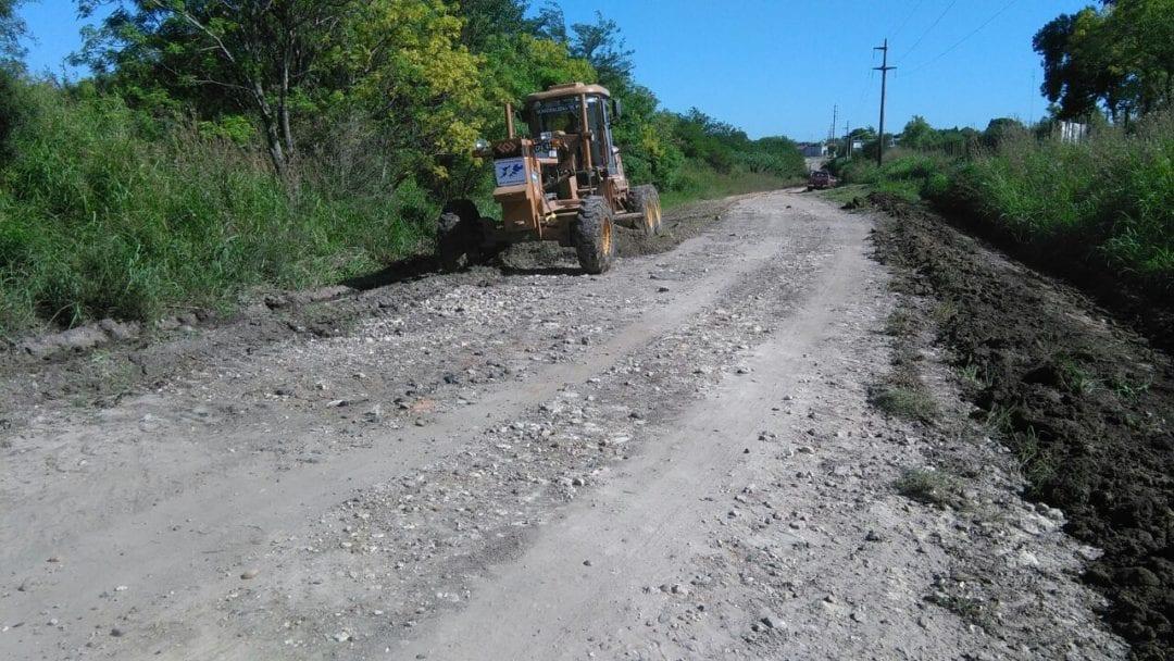 Mantenimiento constante de caminos rurales y accesos a Viale