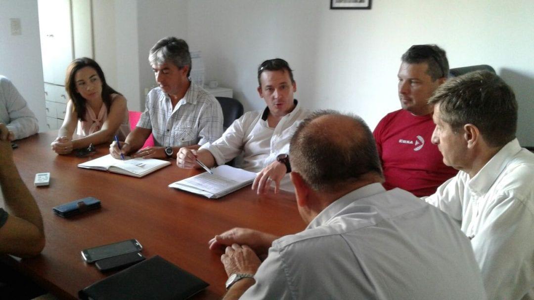 Municipios, docentes y Dirección Gral. de Transporte firman importante acuerdo